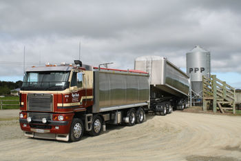Stock Food Cartage